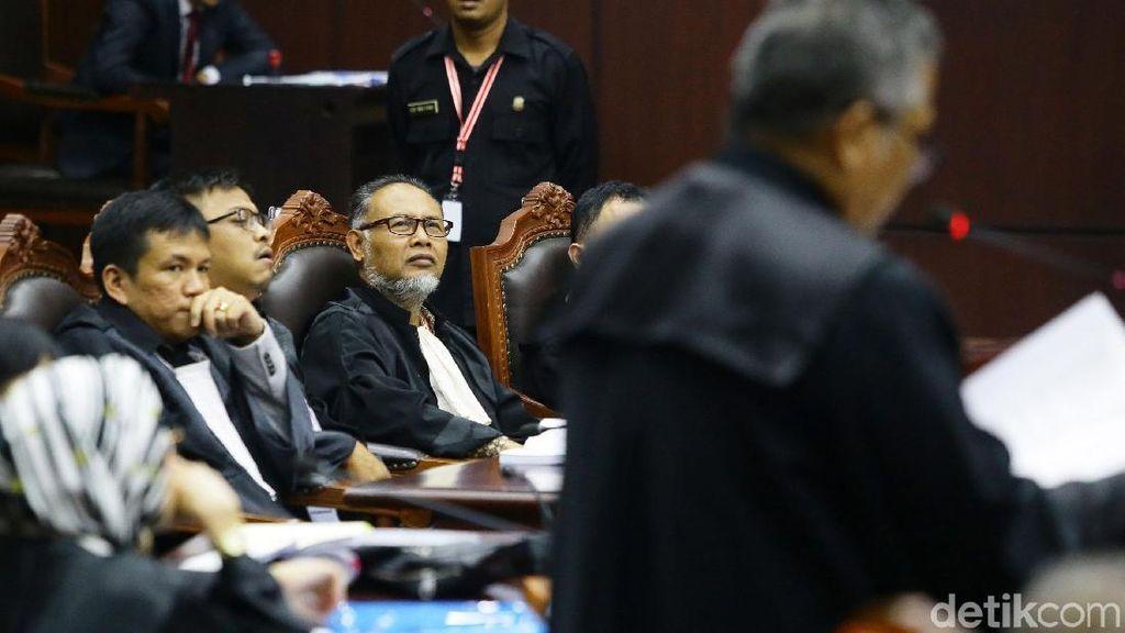 Koleksi Mobil Ketua Tim Hukum Prabowo dan Jokowi Bikin Penasaran