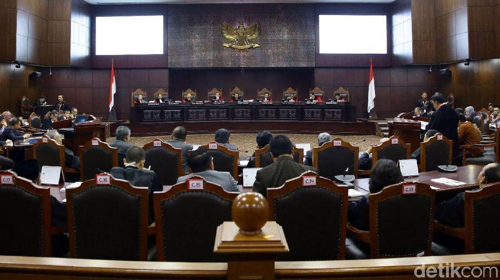 Bawaslu Tak Bawa Saksi, Tim Jokowi Berencana Hadirkan Ahli