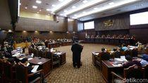 Tim Jokowi: Maruf Amin Bukan Karyawan BUMN, Tak Wajib Mundur