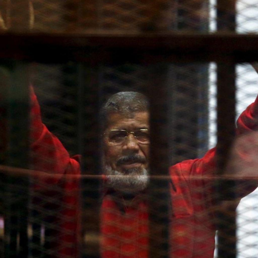 Mohamed Mursi Meninggal Akibat Serangan Jantung Saat Sidang