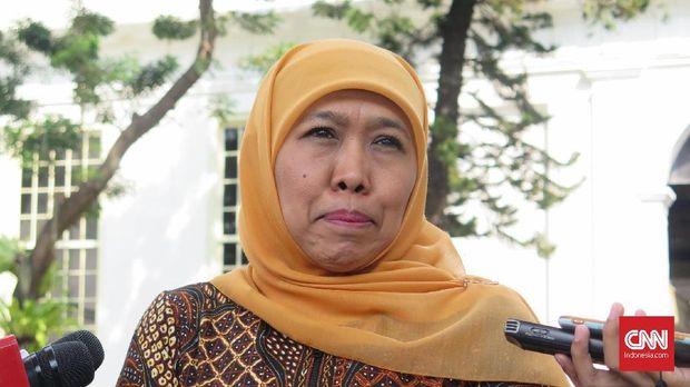 Petani Doakan Khofifah Sukses Bujuk Jokowi Setop Impor Garam