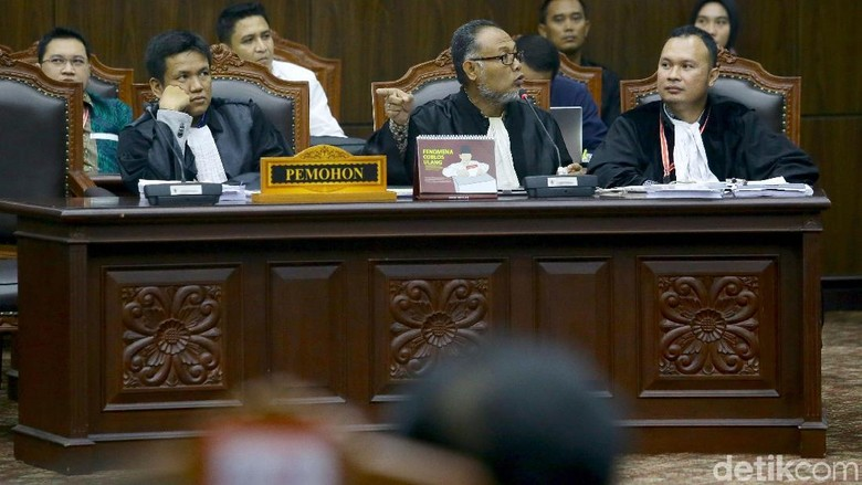 Tim Prabowo Tarik Alat Bukti yang Belum Dilabeli Seperti Ketentuan MK
