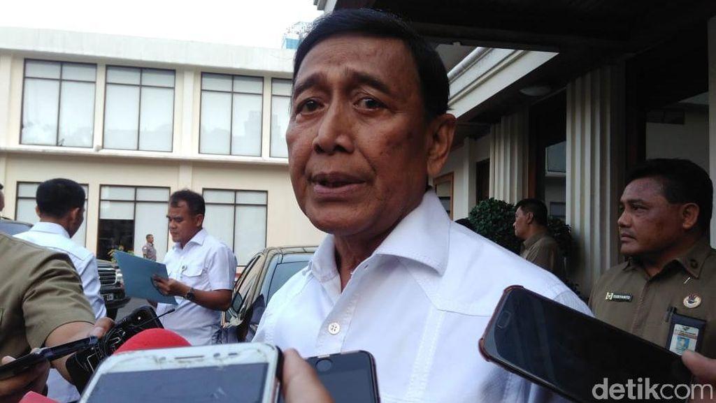 Masih Ada Aksi Massa di Depan MK, Wiranto: Kita akan Tanya Prabowo