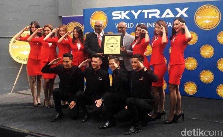Penghargaan Worlds Best Low-Cost Airline diserahkan di acara International Paris Air Show 2019.