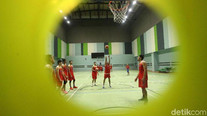 Timnas Basket menggelar latihan jelang SEA Games 2019. Latihan berlangsung di GBK Arena, Jakarta, Jumat (14/6/2019).