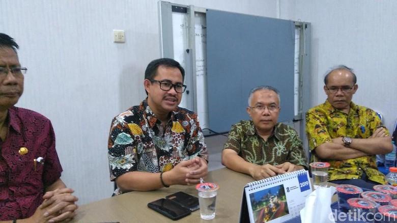 Hari Pertama, 20 Ribu Calon Siswa SMP di Surabaya Daftar Sistem Zonasi