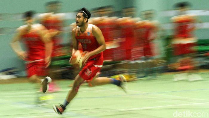 Timbas basket Indonesia berlatih di GOR Soemantri Brodjonegoro. (Rifkianto Nugroho/detikSport)