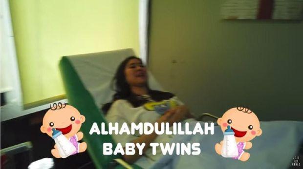 Bahagianya Syahnaz Hamil Bayi Kembar