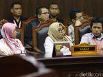 Misteri Lembaran-lembaran Bukti yang Dibawa Saksi Prabowo-Sandi