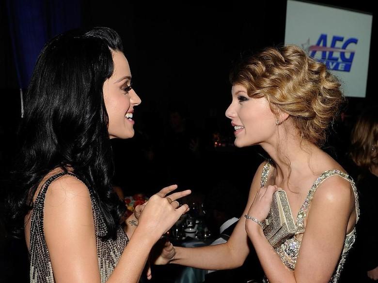 Taylor Swift Ungkap Awal Perdamaian dengan Katy Perry