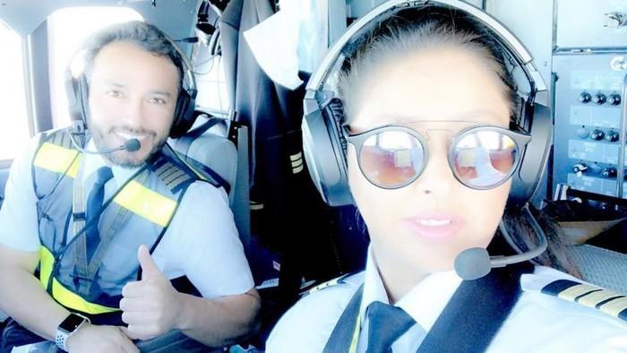 Yasmeen Al Maimani, pilot wanita pertama Arab Saudi. Foto: Instagram/@captain0jazz