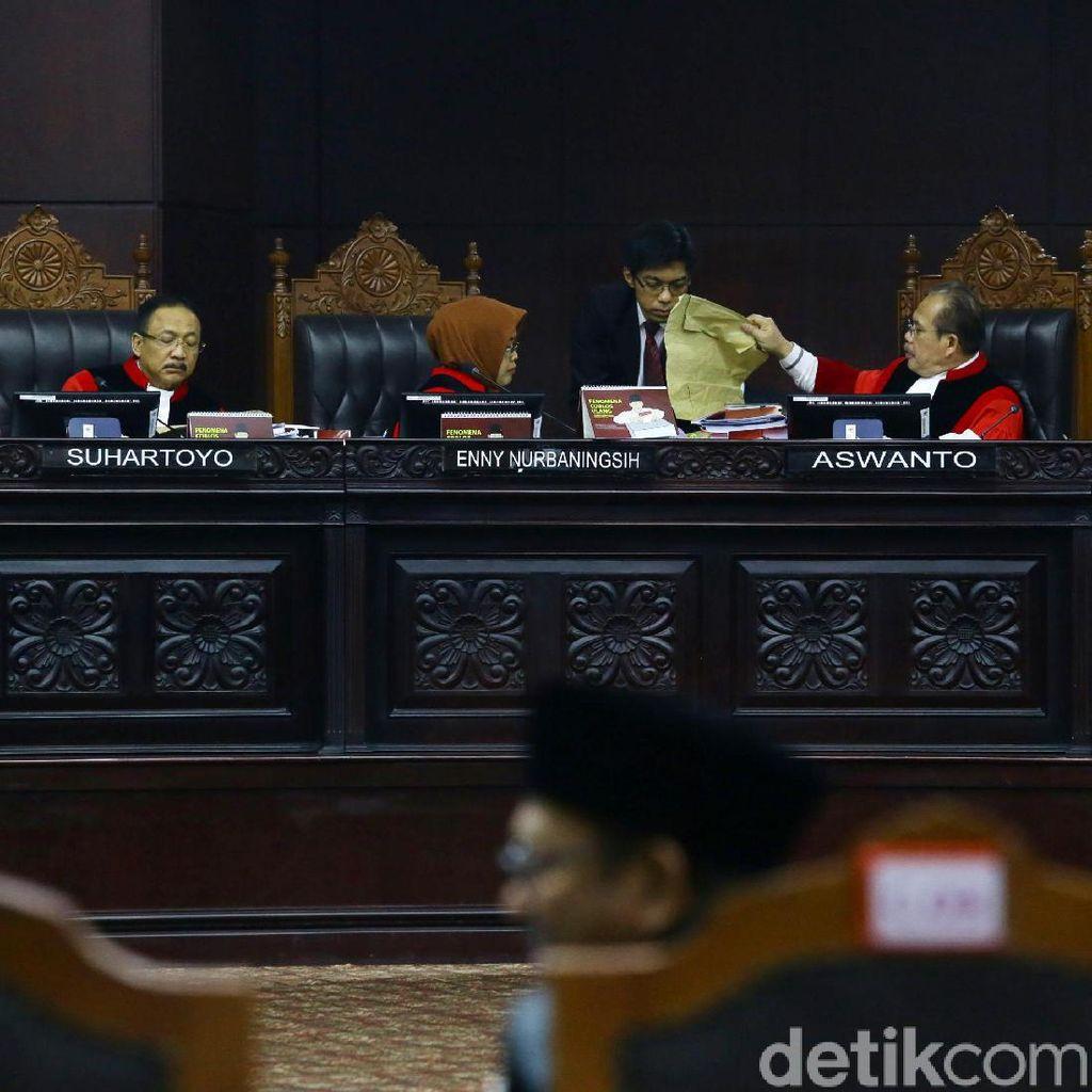 Tim Hukum Prabowo Belum Puas, Ada Pertanyaan Ahli KPU Belum Dijawab