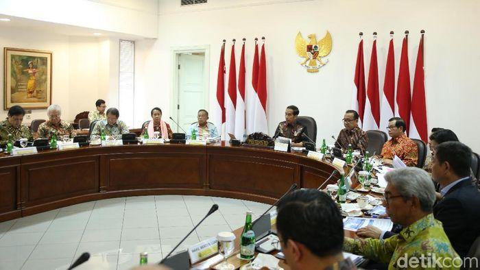 Jokowi Pimpin Ratas/Foto: Rengga Sancaya