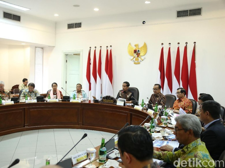 Menteri-menteri Sekarang Ada yang Bertahan? Jokowi: Banyak