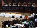 Hakim MK Tegur Tim Jokowi Agar Tidak Kasih Pertanyaan Jebakan