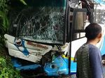 Detik-detik Bus Rem Blong di Tikungan Tajam di Sumbar
