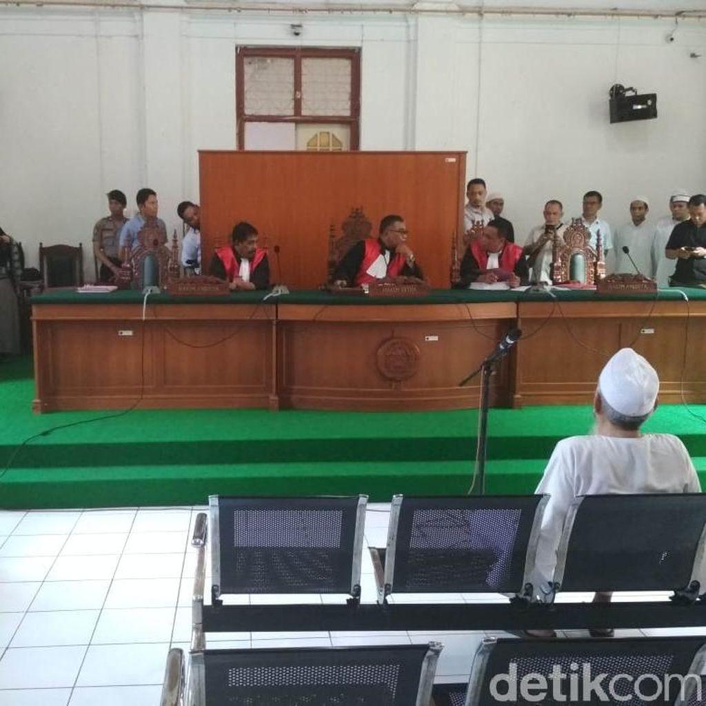 Eks Panglima Laskar Jihad Jafar Umar Thalib Didakwa Undang-undang Darurat