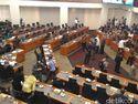 Jumlah Menko Tak Lengkap, Rapat dengan DPR Ditunda