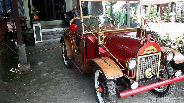 Mobil kayu buatan Warga Jepara Foto: Wikha setiawan