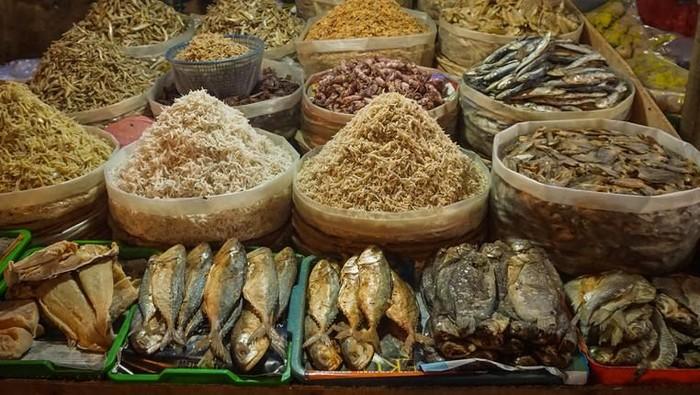 Jadi masalah ketika ikan asin dengan pengawet seperti formalin atau boraks dikonsumsi dalam jangka panjang. (Foto: iStock)