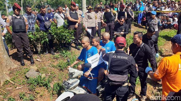 Polisi Rekonstruksi Pembunuhan Pria Bertato 'Bandel' di Cianjur