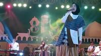 Sabyan Gambus menggelar konser dalam rangka HUT kota Banda Aceh pada Selasa (18/6) malam.