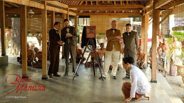 Eksklusif Potret Behind The Scene 'Bumi Manusia'