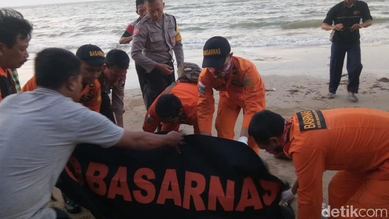 1 Korban Kapal Tenggelam Ditemukan Tewas, Total Korban Meninggal 20 Orang