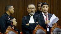 BW Tuding Anggota Majelis Hakim Menekan Saksinya