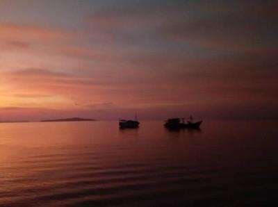 Foto: Eksotisnya Sunset Pulau Banda