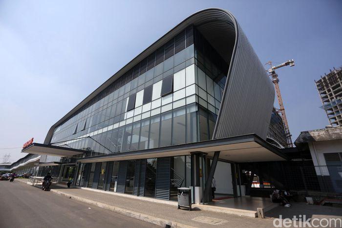 Intermoda BSD City merupakan kawasan yang terintegrasi dengan Stasiun Cisauk.