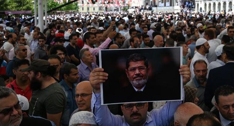 Mohamed Mursi Meninggal, Erdogan Salat Gaib Bareng Warga di Istanbul