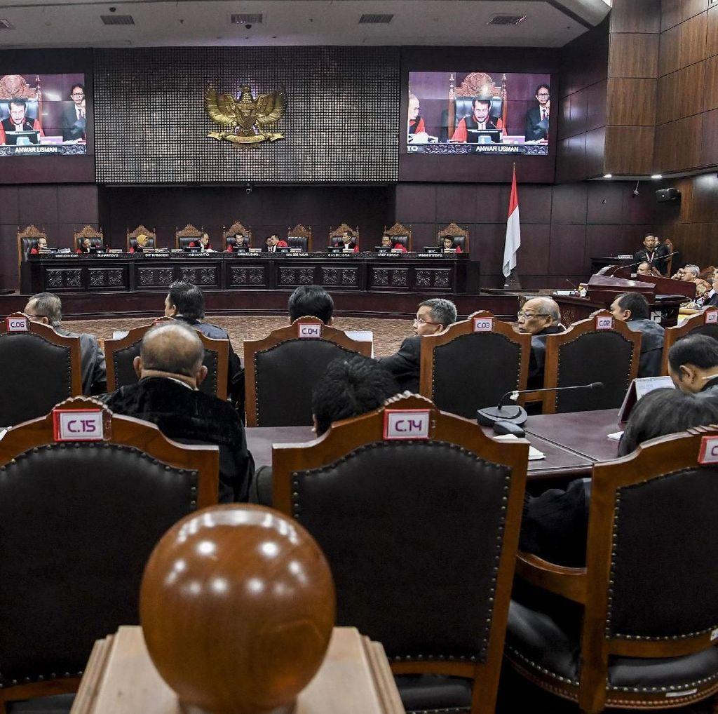 KPU Yakin Lembaran Amplop yang Diserahkan Saksi Prabowo Belum Dipakai