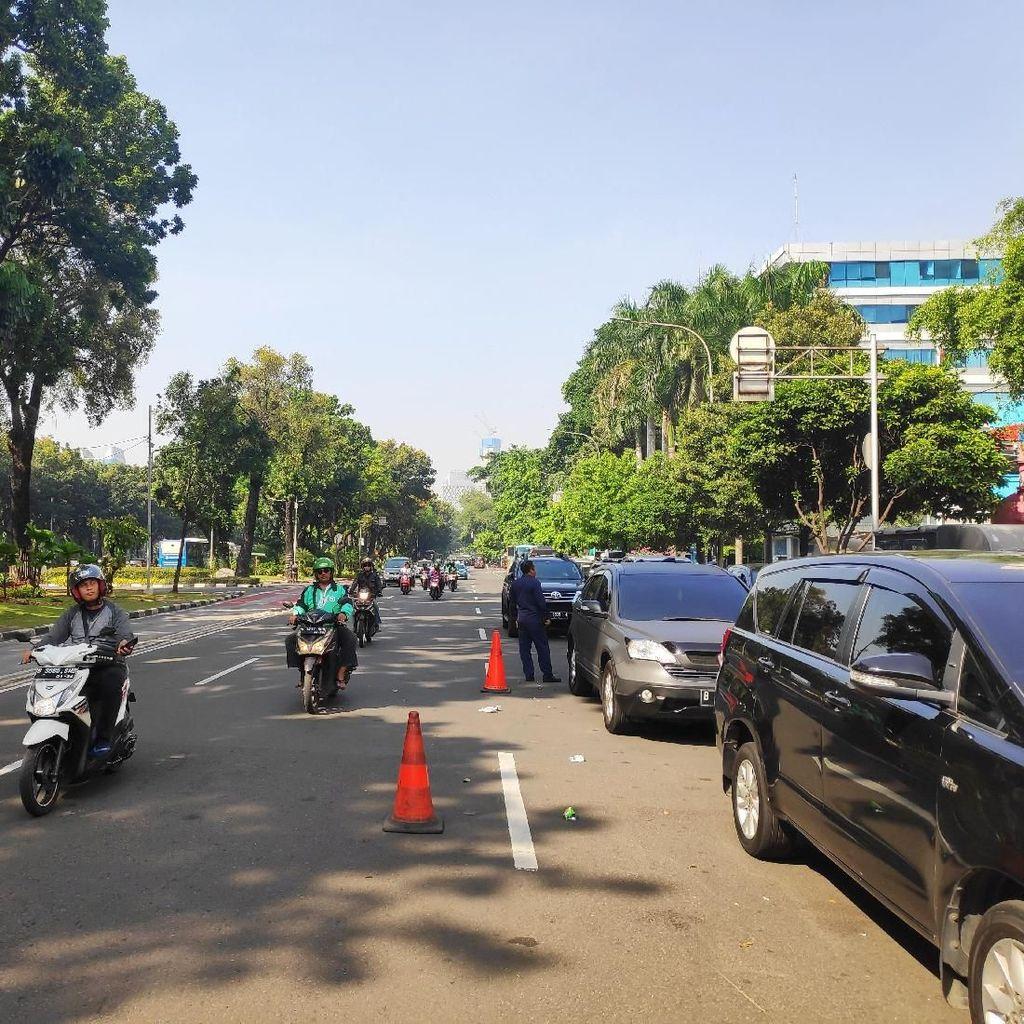 Sidang MK Dimulai, Jalan Depan MK Masih Bisa Dilewati Kendaraan