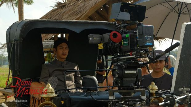 Foto cuplikan film 'Bumi Manusia'.