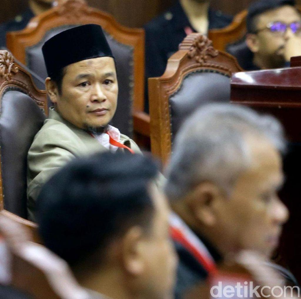 Andi Arief Serang Saksi Prabowo: Jutaan Rakyat Tertipu Agus Maksum!
