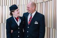 Kru Lois Mackerness dan ayahnya, David (dok British Airways)