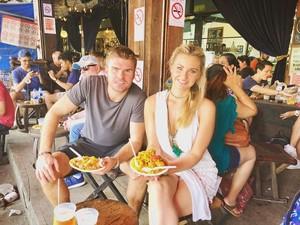 Bule Cantik Mantan Richard Kyle Ini Hobi Traveling dan Kulineran