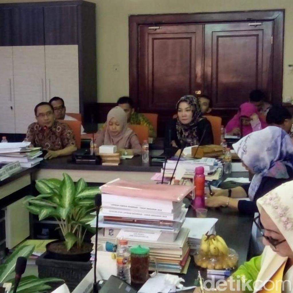 DPRD Surabaya Soroti Fasum dan Fasos yang Jadi Papan Reklame