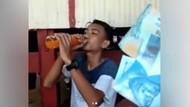Ya Ampun! Demi Rp 100 Ribu, Remaja Ini Teguk Sebotol Sirup Tanpa Air