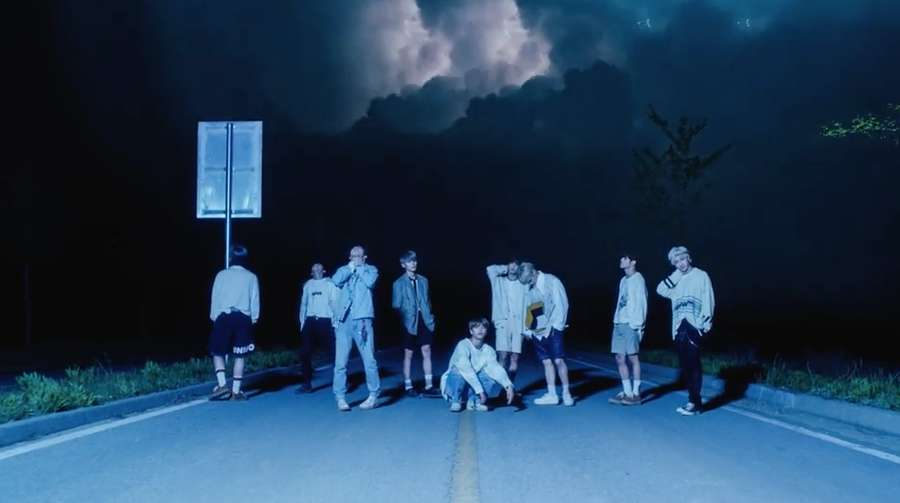Mengintip Petualangan Stray Kids di Side Effect