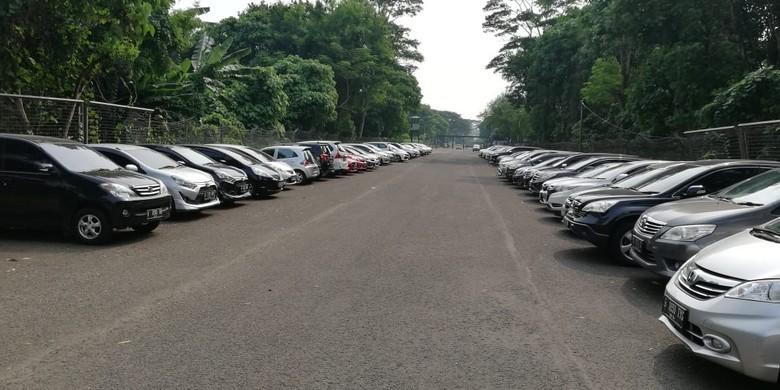 Parkiran mahal di kampus Universitas Pelita Harapan. Foto: Rizki Pratama