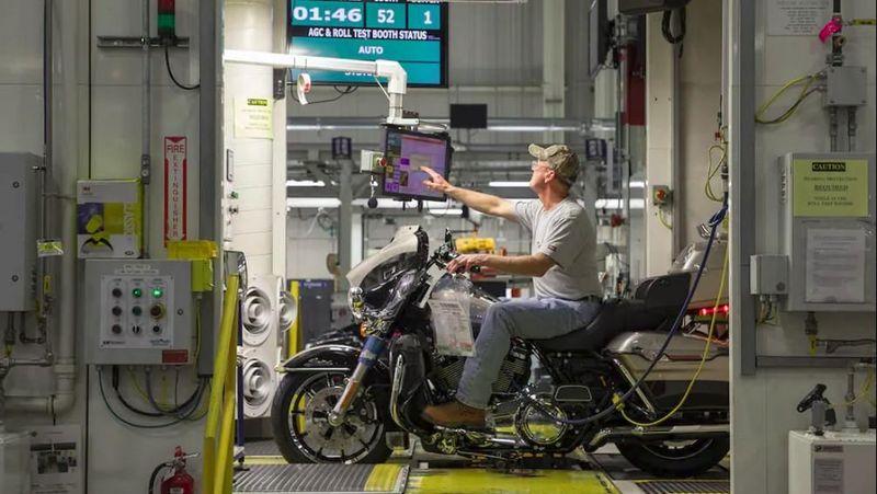 Ada dua fasilitas yang dibuka oleh Harley Davidson untuk wisatawan. Lokasi ini ada di Kota York, Pennsylvania, Amerika Serikat (Harley Davidson)