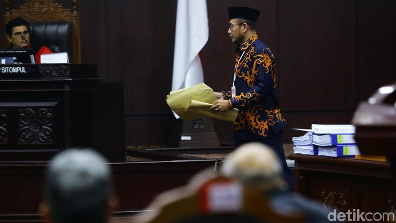 KPU Tak Percaya Kualitas Saksi Prabowo Terkait Temuan Amplop