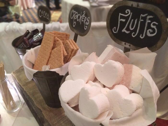 Kafe dengan nama Toast Mallow ini ada di Arizona. Sejak kemunculannya di tahun 2014, kafe sudah ramai disambangi karena menawarkan aneka sajian marshmallow yang menarik. Foto: instagram @toasted.mallow