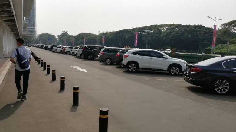 Genjot PAD, Pemkot Bekasi Terapkan Parkir Berbayar di Minimarket dan Restoran