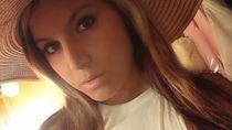 Foto: Bintang Webcam Seksi yang Dihujat Karena Pacari Miliuner Bertubuh Mini