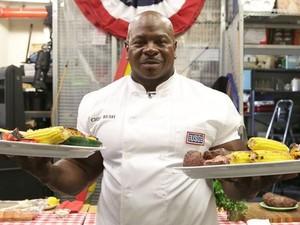 Wow! Berbadan Kekar, Chef Gedung Putih Ini Mantan Tentara