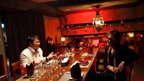 Diprotes Netizen Karena Makan Bareng Jackie Chan, Drummer X Japan Minta Maaf