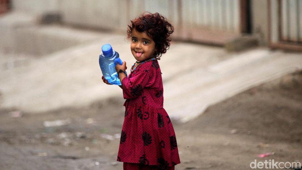 Melihat Kehidupan Pengungsi Anak Lewat Jepretan Kamera